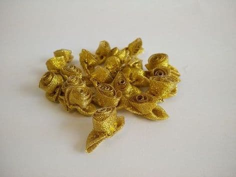 004-13SL Small Rose with Self Colour Leaves - Gold or Silver