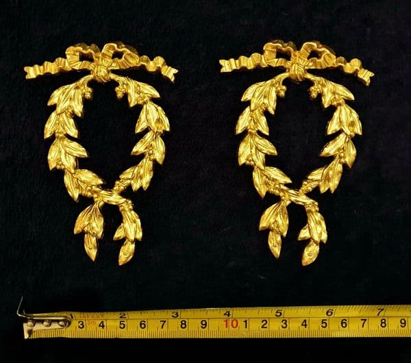 PAIR DECORATIVE MOULDING ANTIQUE STYLE WALL MIRROR DECORATION (No63)
