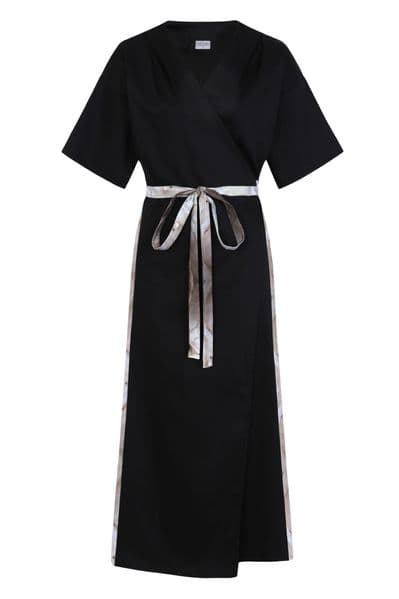Mary Max wrap dress in black