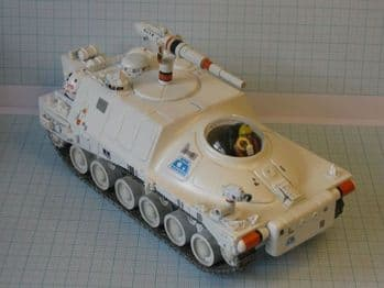Space 1999 Laser Tank MK1 1:48 Scale Model Kit UNCL