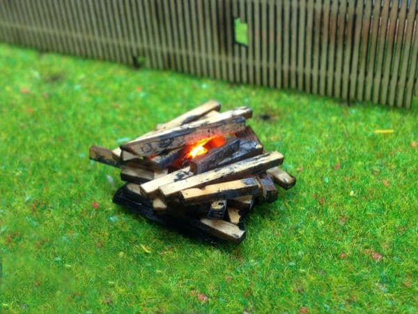 AX021-N Bonfire With Flickering LED Fire Effect N/2mm/1:148