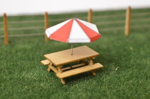 LX028-OO Laser Cut Picnic Benches (Pack of 6) OO/4mm/1:76