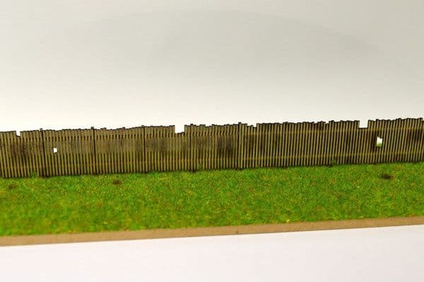 LX077-N Laser Cut Old Wooden Fencing N/2mm/1:148