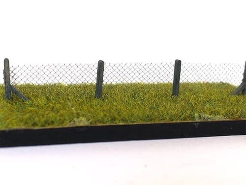 LX183-OO 3ft Chain Link Fencing OO/4mm/1:76
