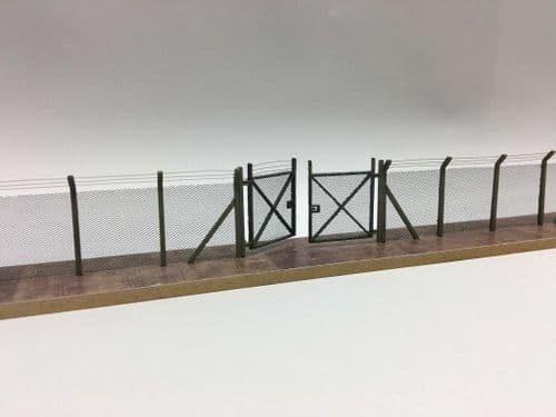 LX373-OO Laser Cut Fence Posts For Chain-link Security Fencing (Posts only) OO/4mm/1:76