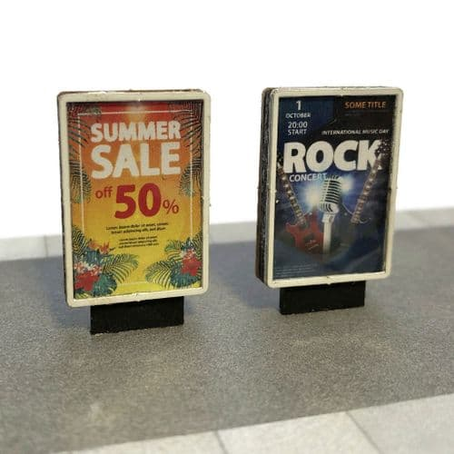 LX411-OO Freestanding Small Modern Advertising Billboards / Hoardings - OO/4mm/1:76