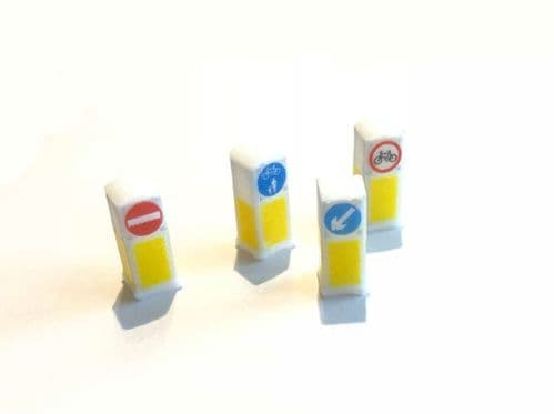 Modern Bollards With Working LEDs (Pack Of 4) AX017-OO