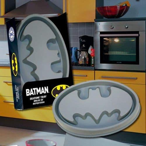 BATMAN LOGO SILICONE CAKE PAN FROM SD TOYS